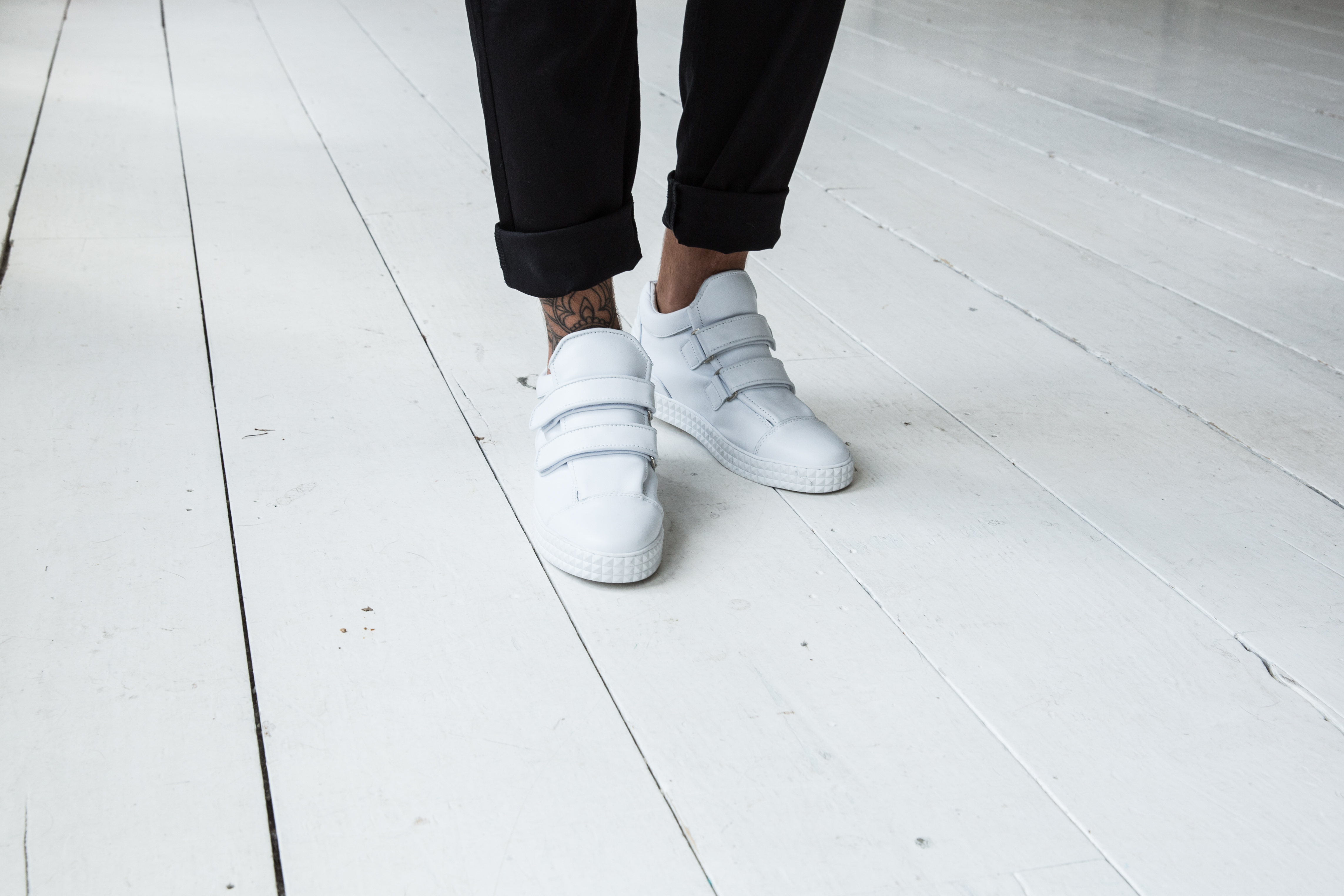 FOOTWEAR LTSR-101-WHITE CAMPAIGN