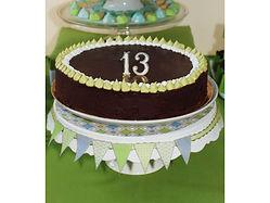 מסיבת בר מצווה ליובל בעיצוב ומיתוג יחודי כולל עיצוב שולחן מתנות הזמנה שוקולדים והרבה הפתעות לאורחים