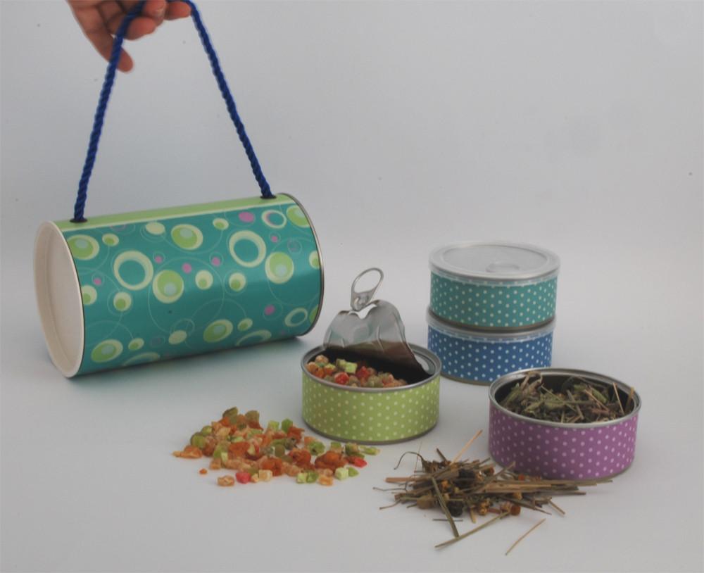 מארז ״תיק״ מעוצב וממותג לחג הכולל 4 קופסאות מעוצבות ובתוכן חליטת תה צמחים וחליטת פירות