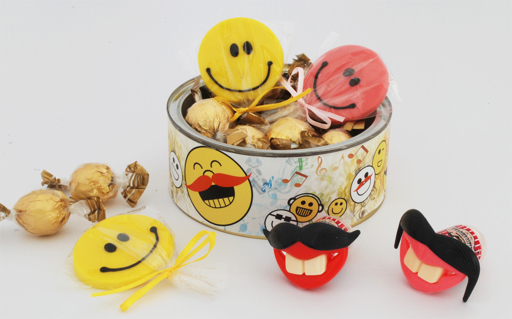 משלוח מנות מעוצב במילוי מתוקים|ממתקים שמחים| אוזני המן בטעמים