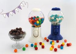 מתקן למסטיקים וממתקים