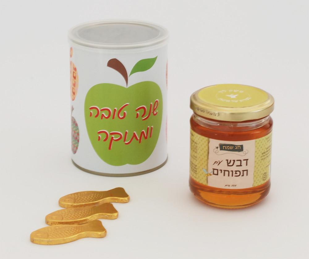 מתנה לראש השנה דבש תפוחים במארז מעוצב וממותג
