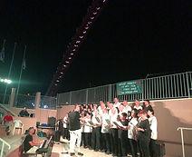 שרים באנדרטת ה-22