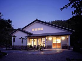 美術館(外観 北面 夜景)