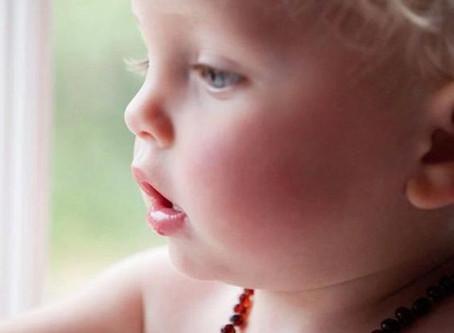 Uso del collar de ámbar en nuestros bebés