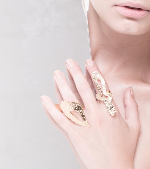 Marina Skia: Black Waves Heart Ring - Gold | Jewelry,Jewelry > Rings -  Hiphunters Shop