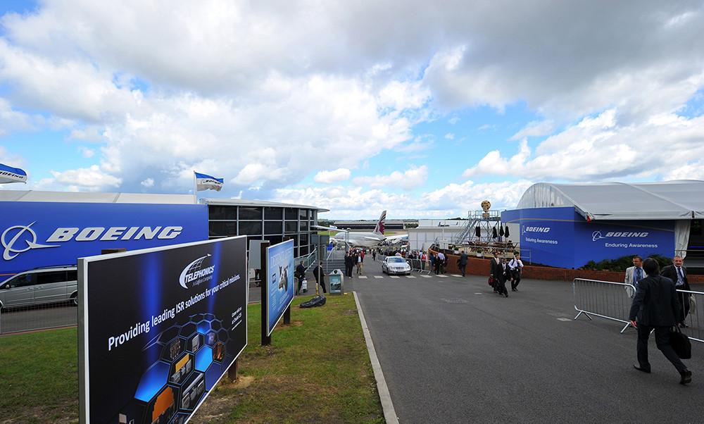 outdoor media, giant media, Boeing.jpg