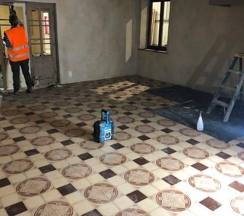 Install floorlino1.jpg