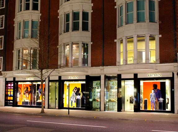 CS-Prada-retail graphics, large format p