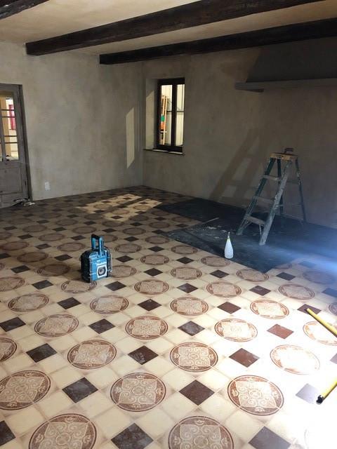 Install floorlino.jpg