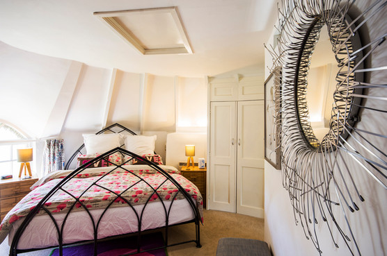 Bedroom 'in the round'