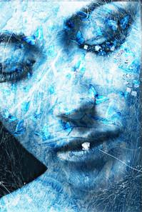 femme gelée au papillon.JPEG