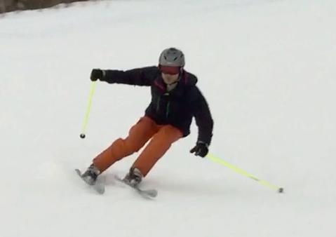 スキー 上半身の姿勢と外向姿勢