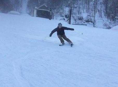 スキー動作の肝が詰まっている、サイドスクワット