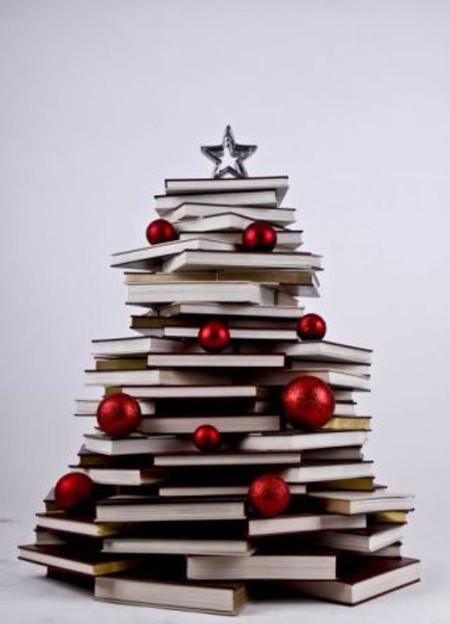 books-xmas-tree-450w
