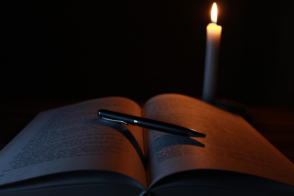 candle-1646765.jpg