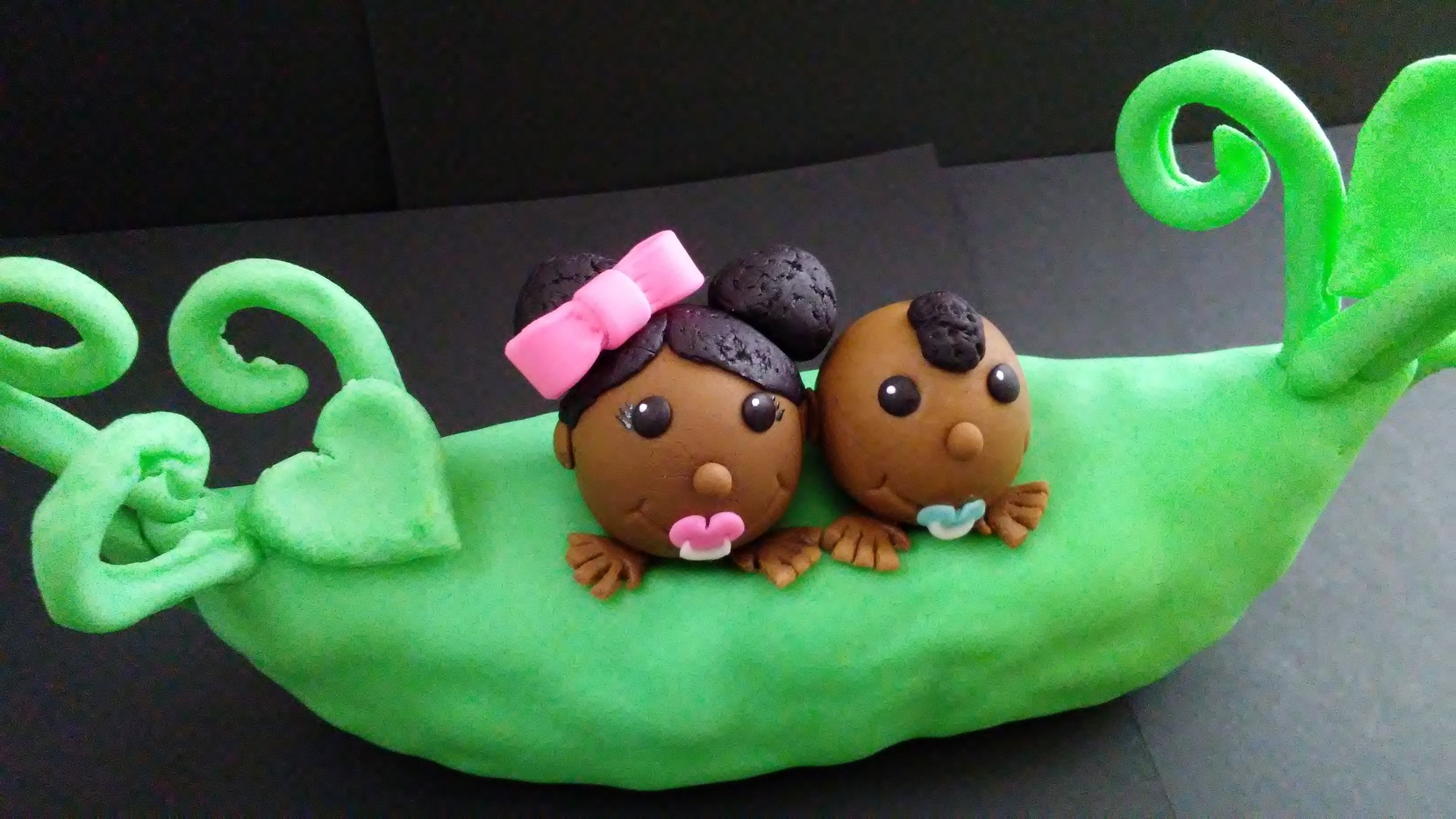 Peas in a Pod Cake Topper