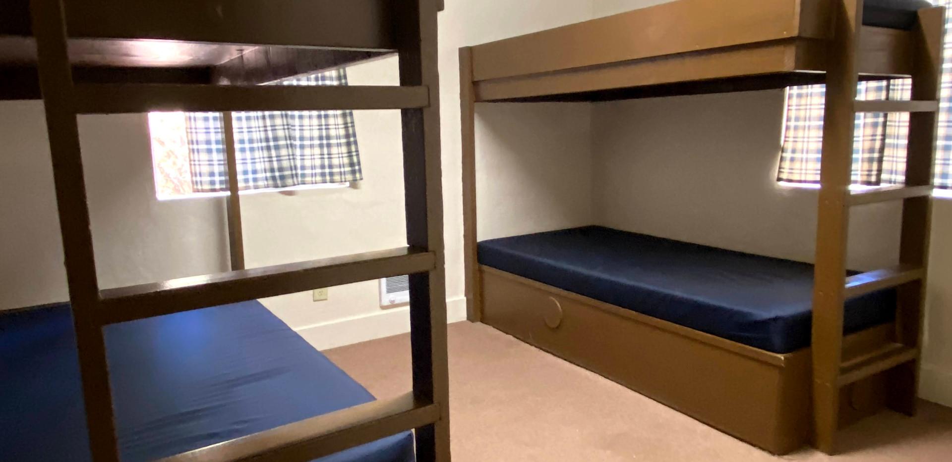 Hilltop 1 Bedroom 3