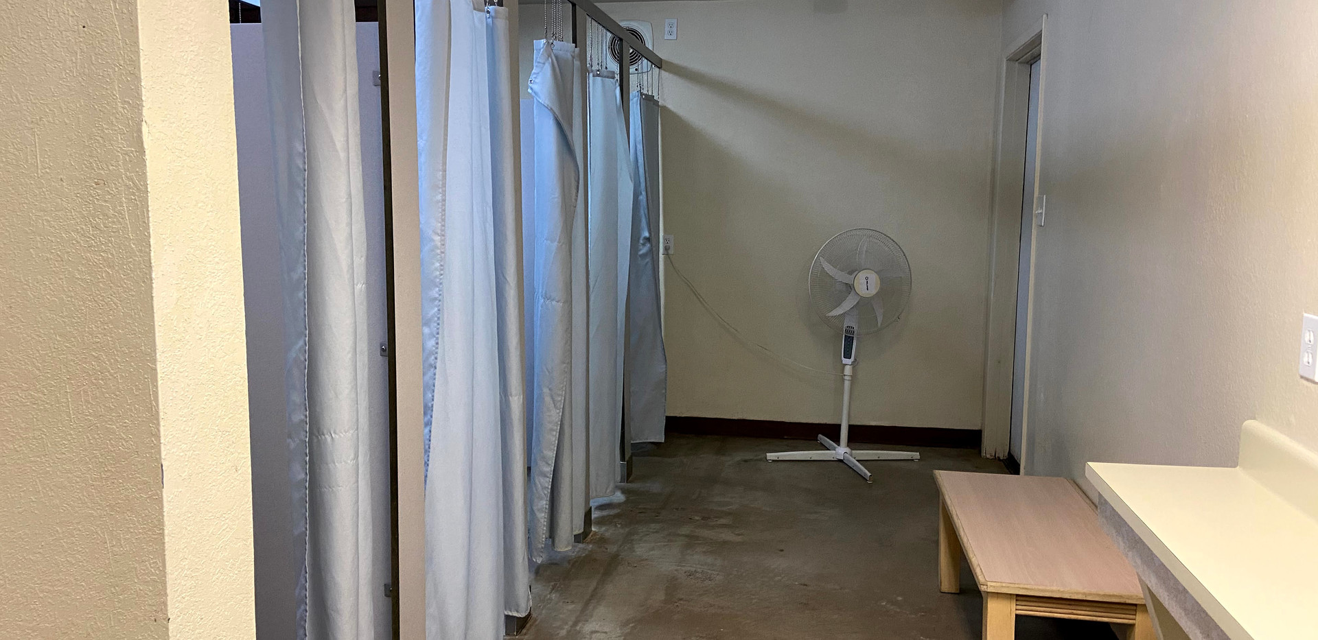 Aspen Girls Bathroom 2