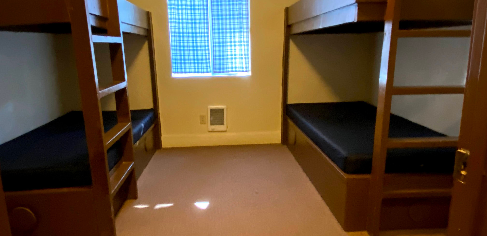 Hilltop 1 Bedroom 1