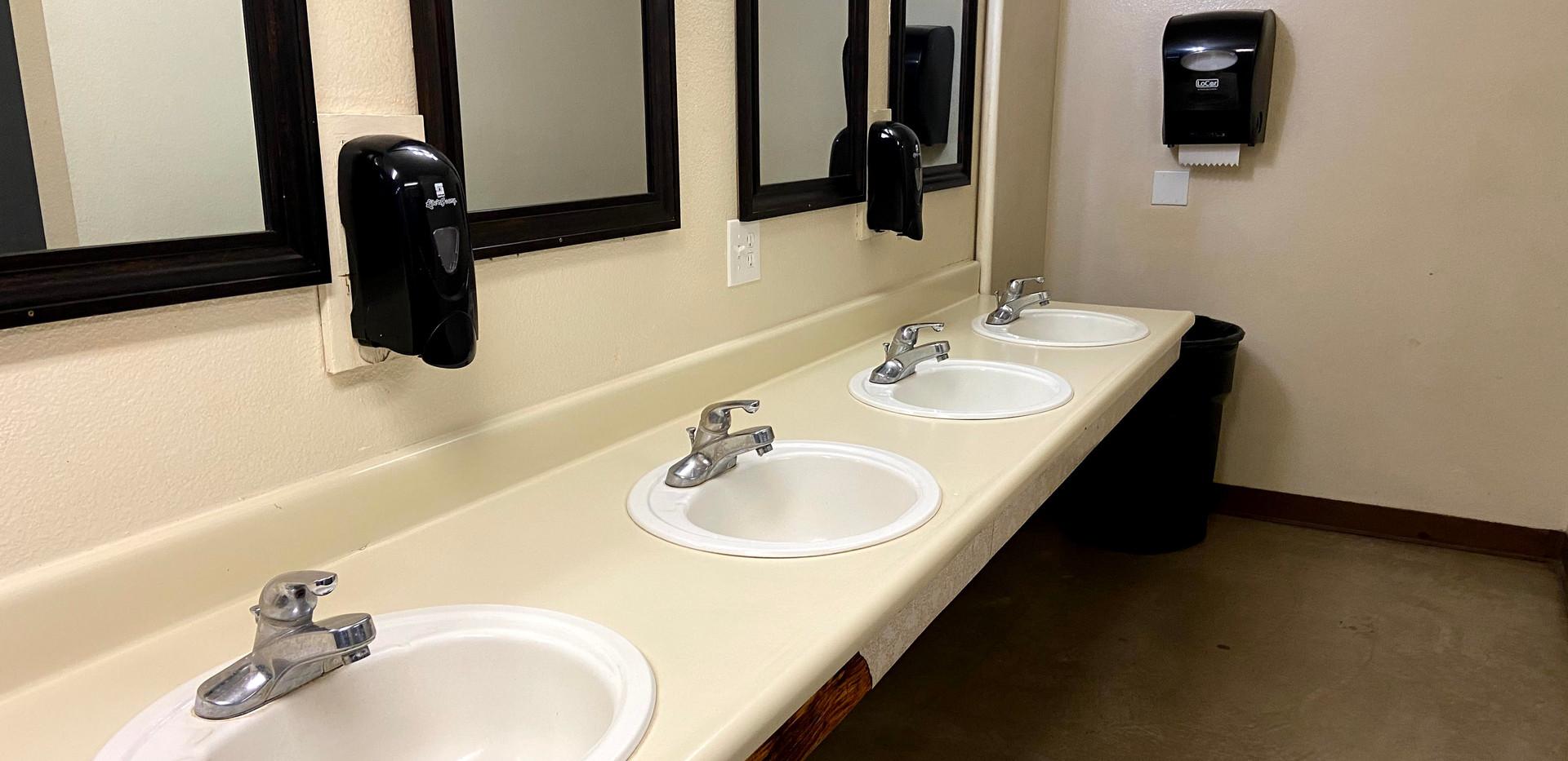 Aspen Girls Bathroom 3