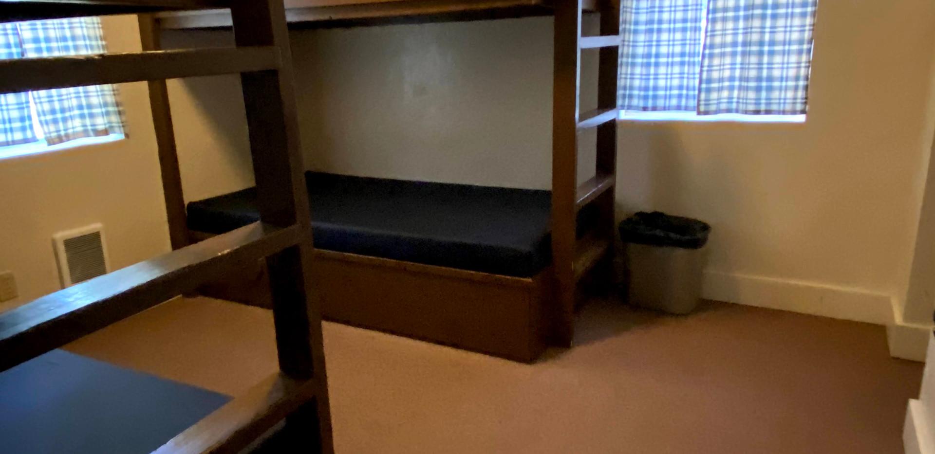 Hilltop 1 Bedroom 2