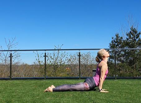Kom och yoga med oss med himlen som tak!