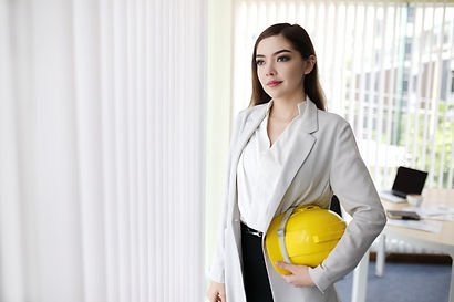 smart-business-woman-with-suit-hand-hold