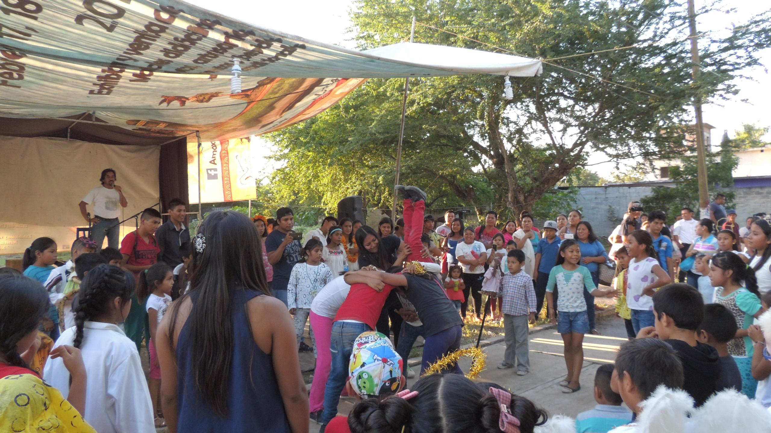 Niños y jóvenes en Xoxocotla