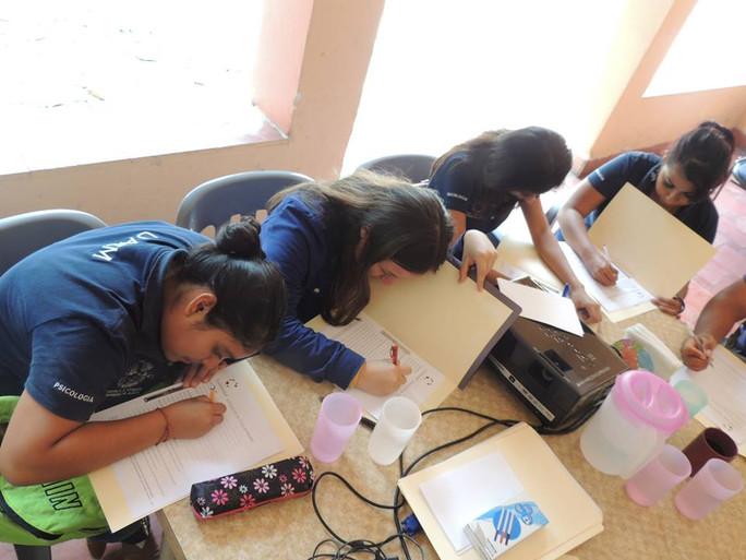 Practicantes universitarios en Fundación Comunidad