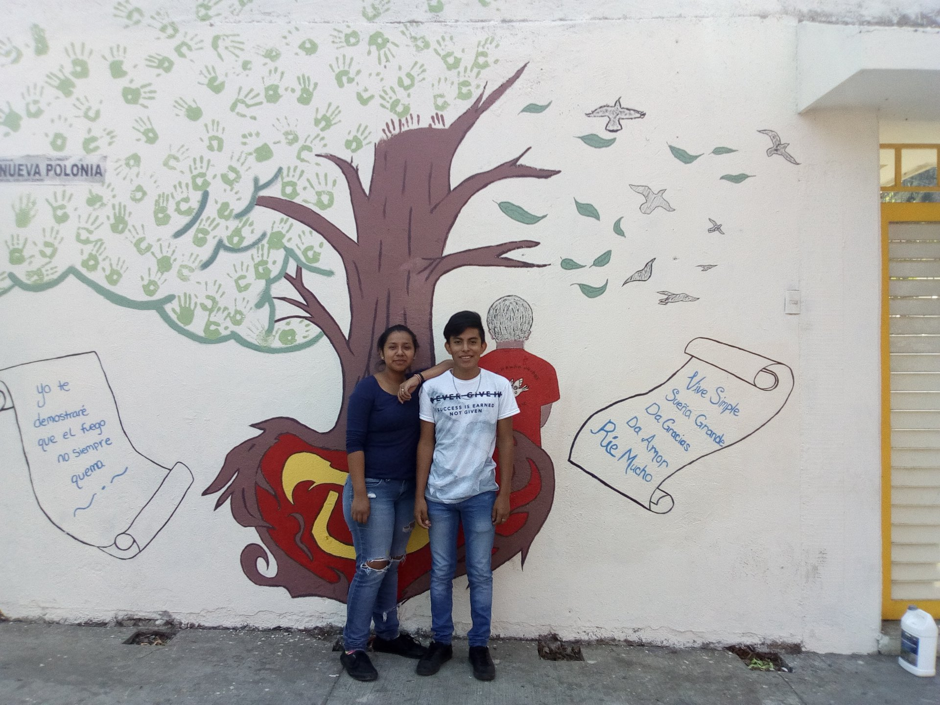 Avance del mural en Caminando Unidos