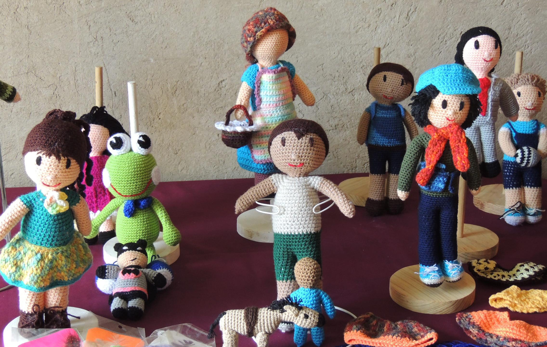 Muñecas Amira