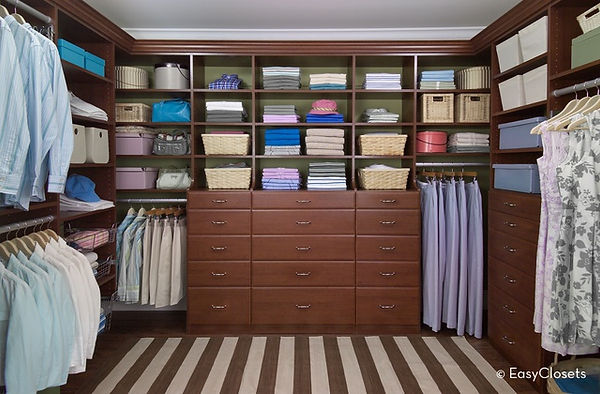 closet pic2.jpg