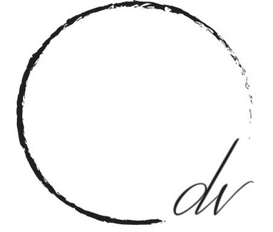 dv_makeup_logo_edited.jpg
