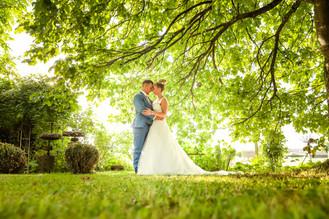 Wedding Photography - Hochzeitsfotograf Schweiz. Emotionale Hochzeitsreportagen Top Qualität zu fairen Preisen. Hochzeitsfotografie auf hohem Niveau. Neu im Angebot Hochzeitsalben & Hochzeitsvideo