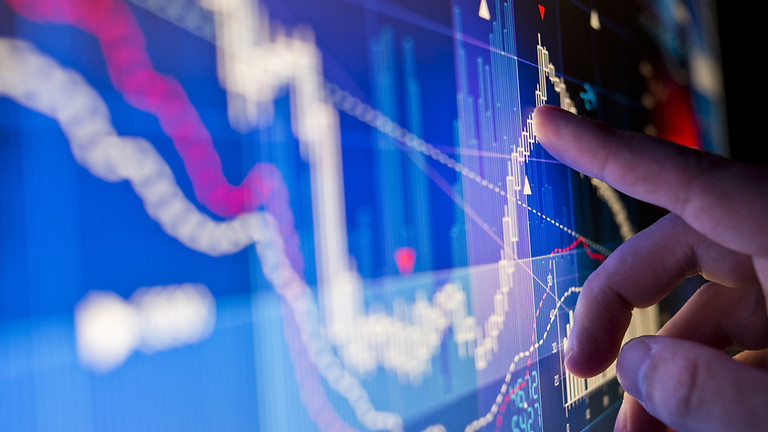 Hands-on the use of analytics in management decisions