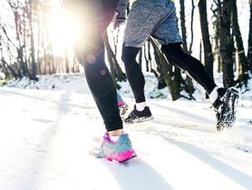 Ropa deportiva para invierno: la mejor opción para practicar futbol en la nieve