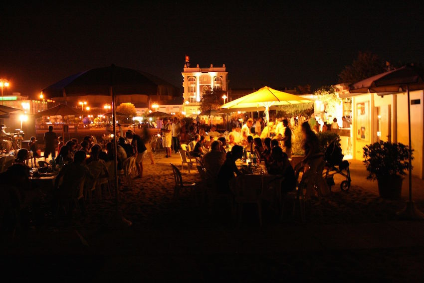Prive strand BBQ nacht