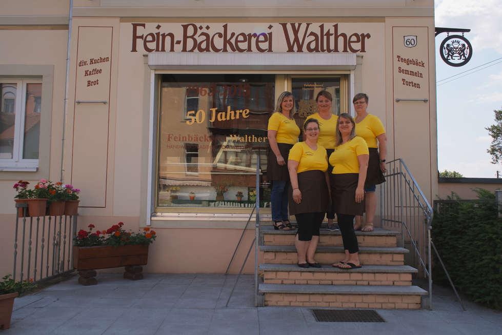 Susan Walther mit ihren Verkäuferinnen 2020