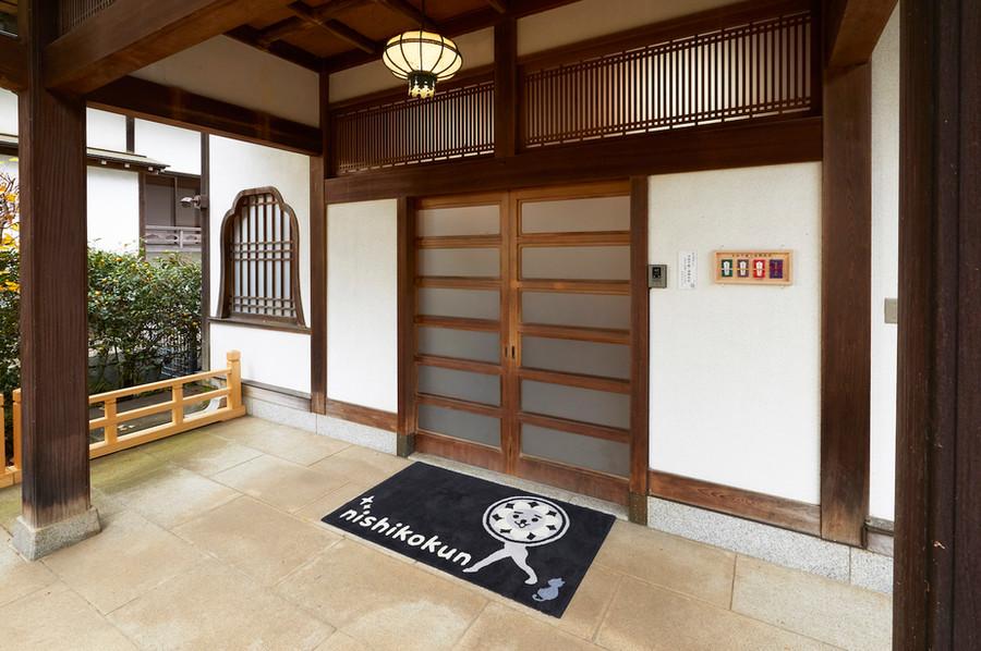 寺務所 玄関