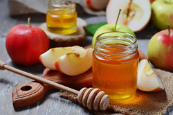 Houston Hillel, Jewston offering young adults Rosh Hashanah in a box