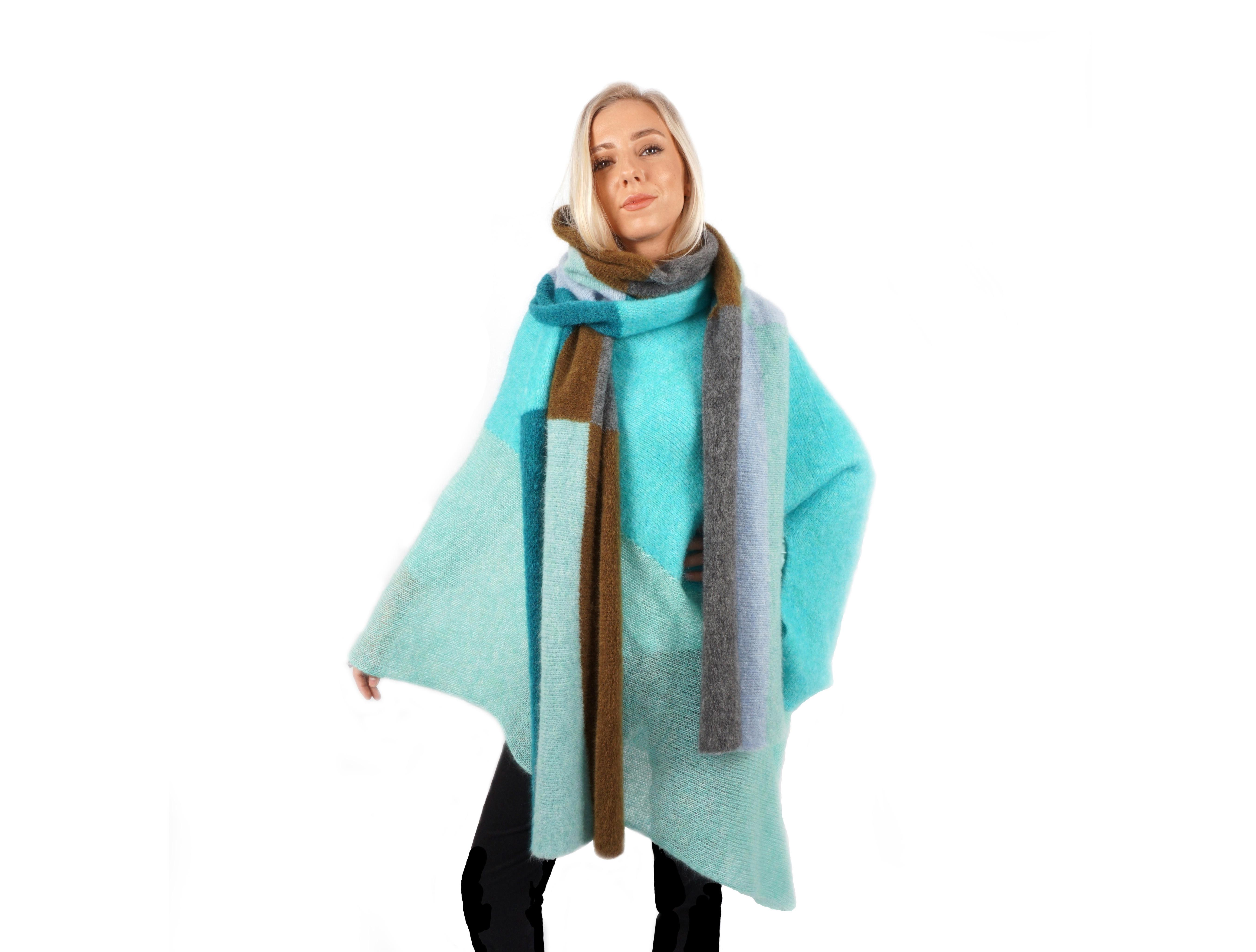 GRAU Knitwear - Scarf & ponc
