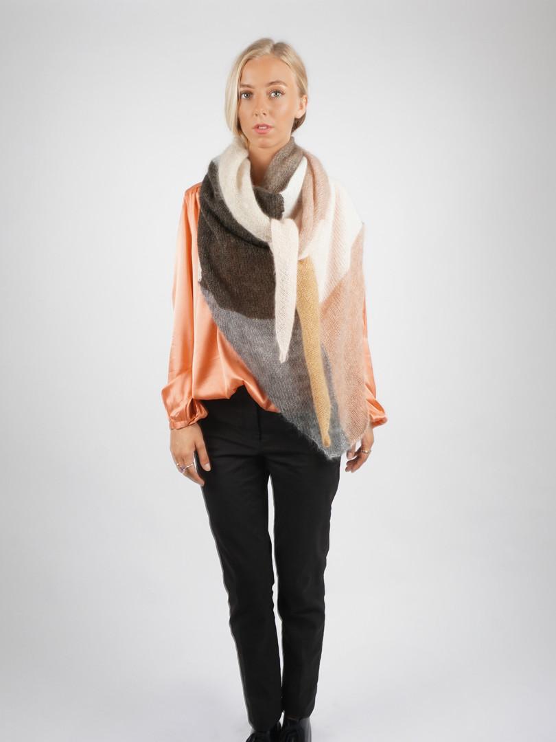GRAU Design Strik - Haute Tricot - Knitwear