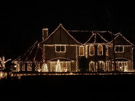 Christmas-Lights-2442560.jpg