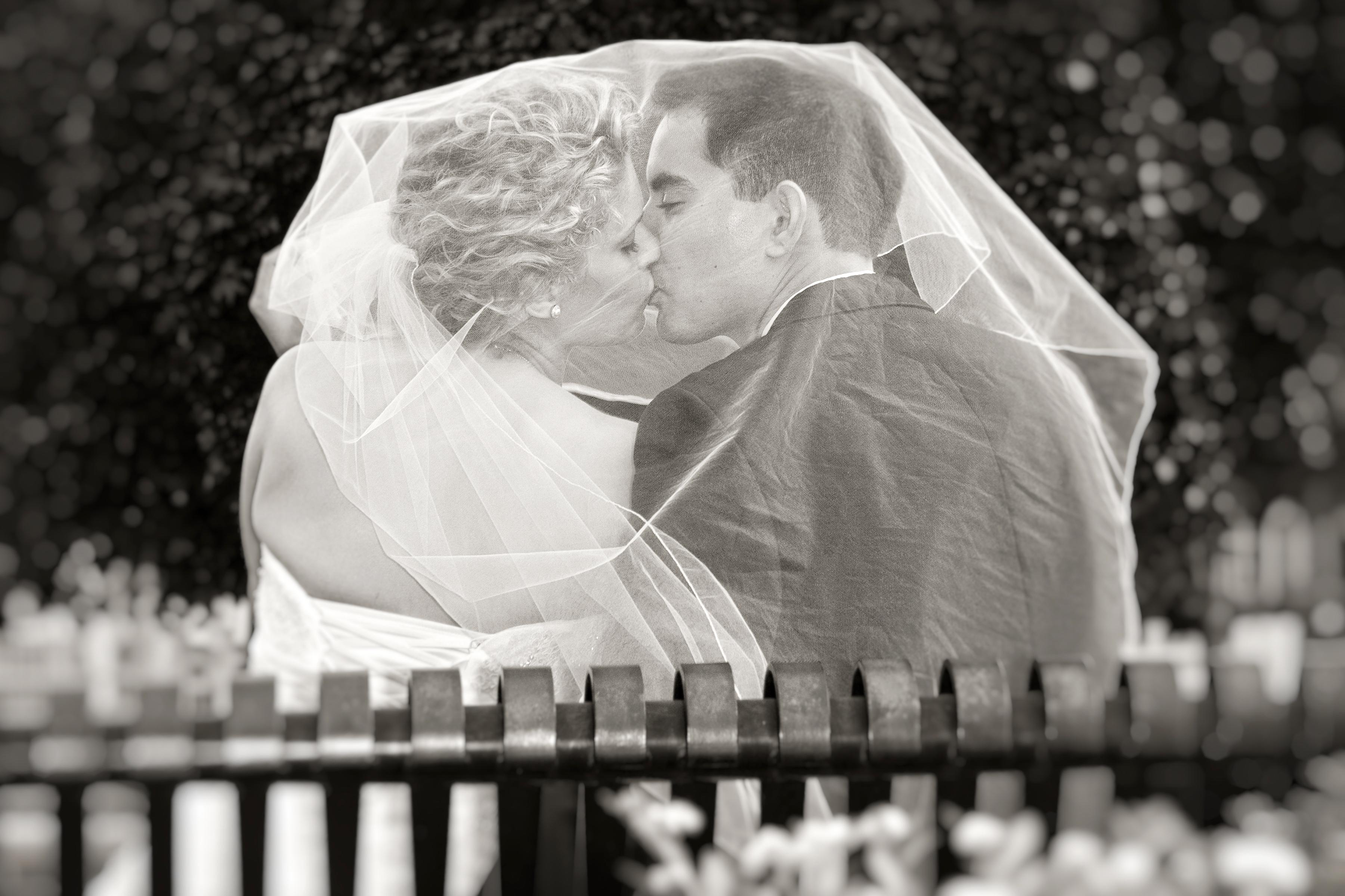 Uptown Minneapolis wedding photographer