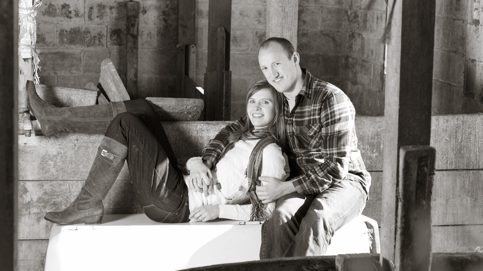 Buffalo MN Farm Engagement Photographer