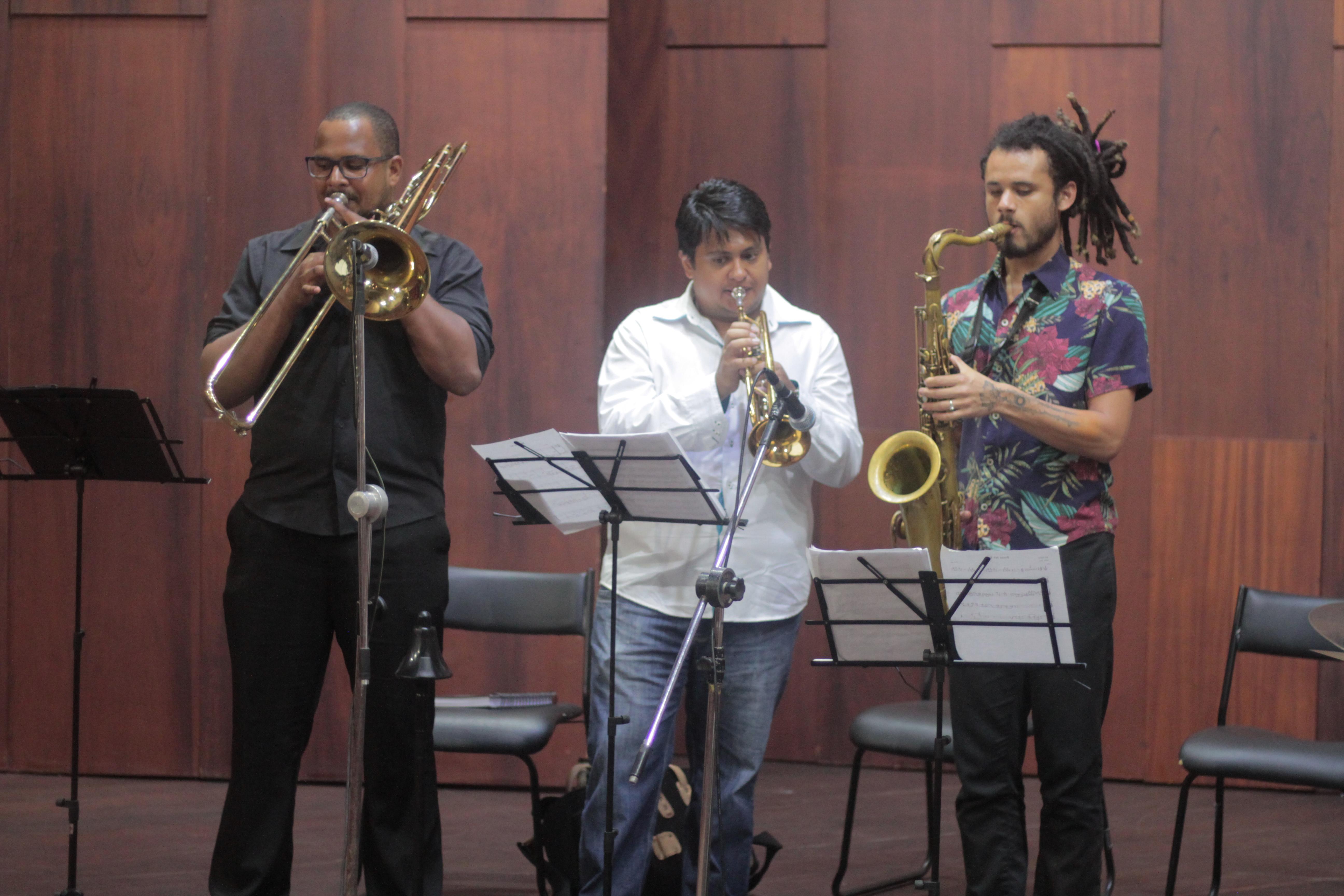 Fabio Leal e Grupo