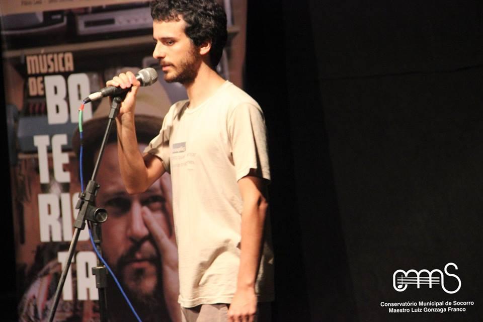 Joao Casimiro apresentando EMACS2016
