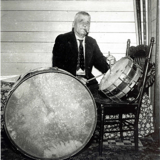 "double drumming - ""Papa"" Jack Laine 1939"