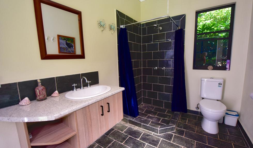 Big bungalow bathroom